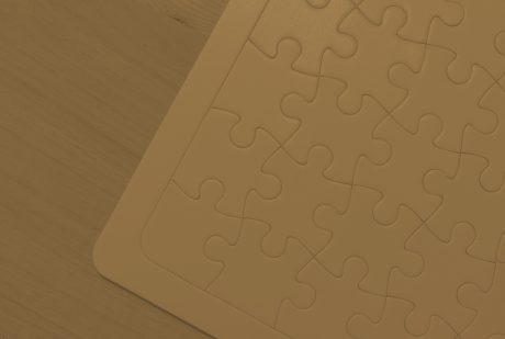 puzzle pieces representing business partnership